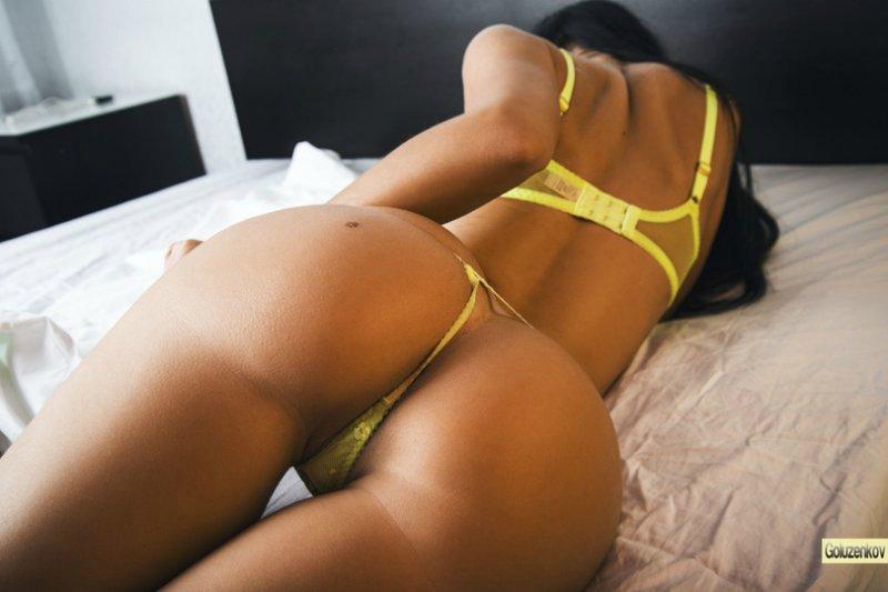 фото сексуальные девушки в стрингах