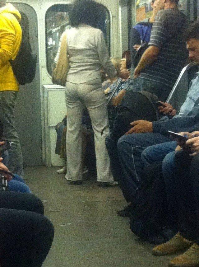 чудики в метро 10