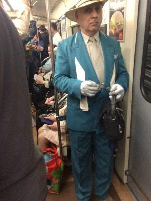чудики в метро 15
