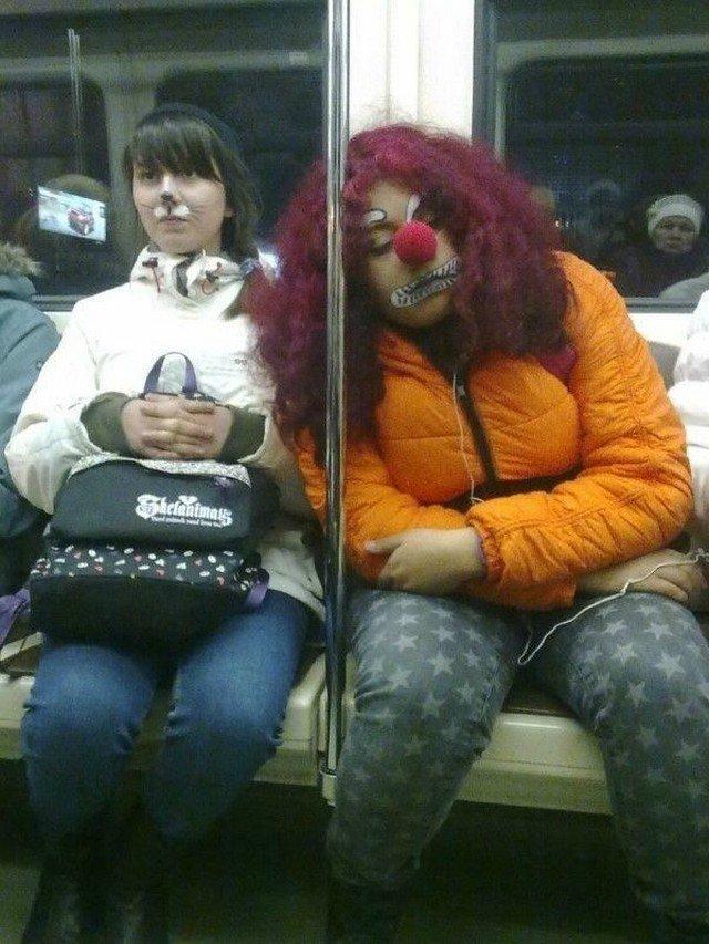 чудики в метро 17