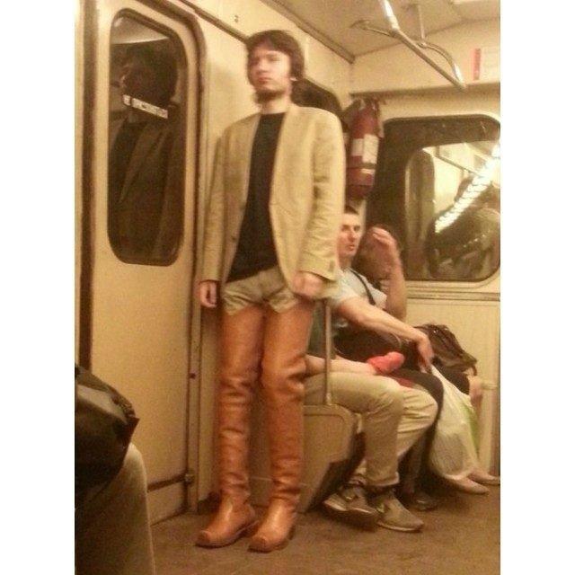 чудики в метро 2