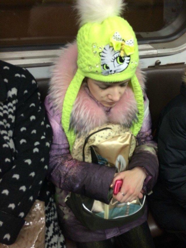 чудики в метро 25