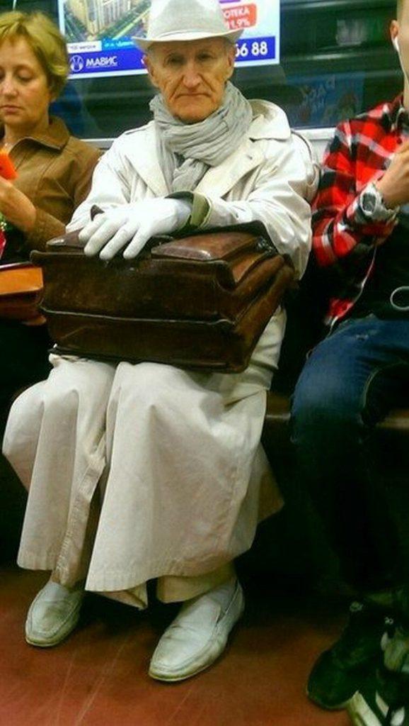 чудики в метро 27