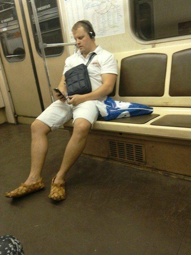 чудики в метро 6