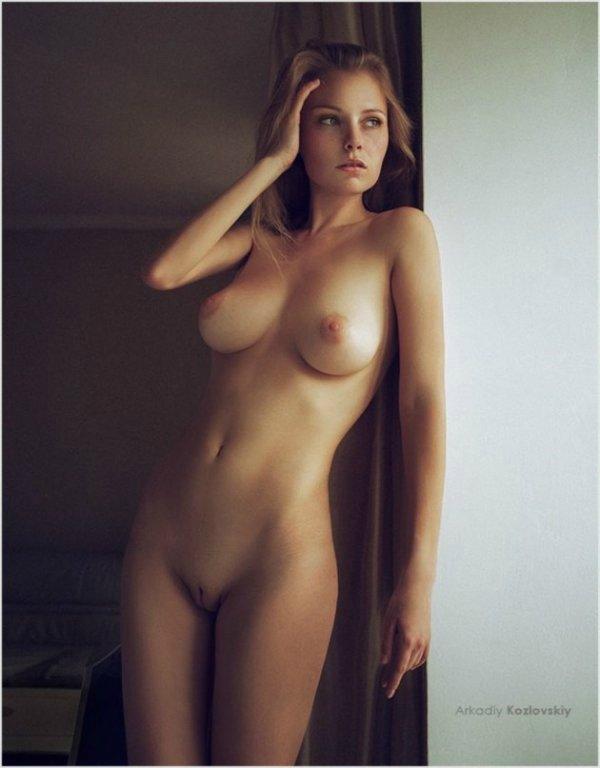 фото голых женщин стройных