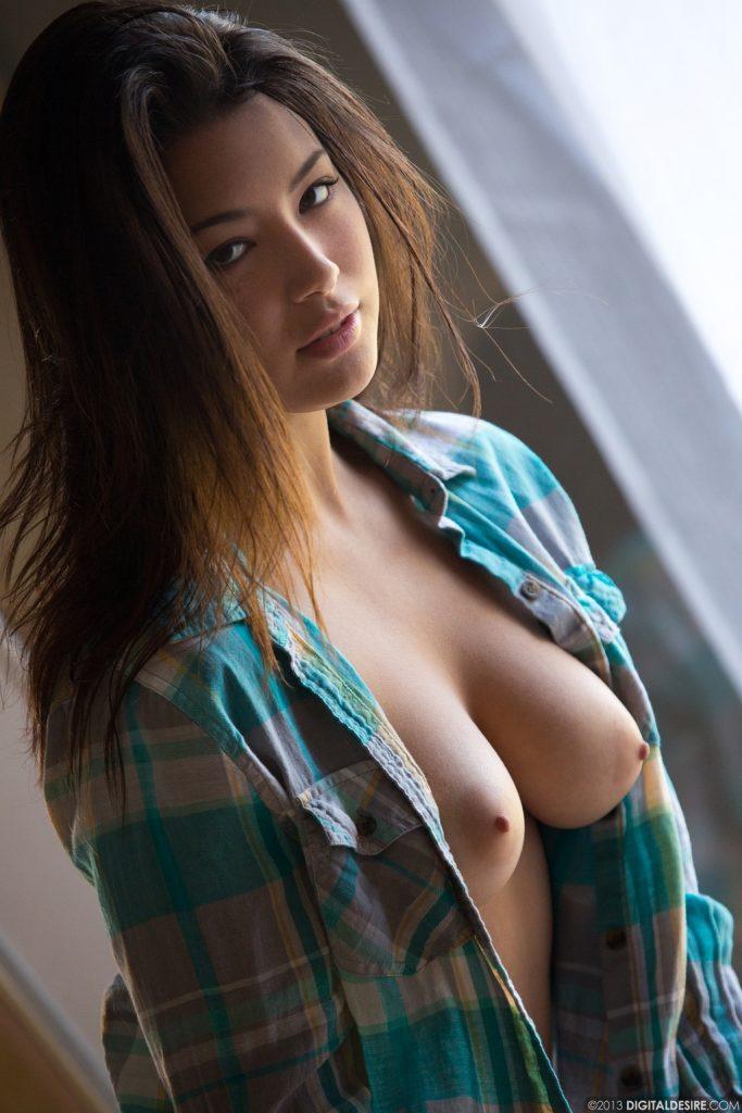 фото красивая натуральная грудь