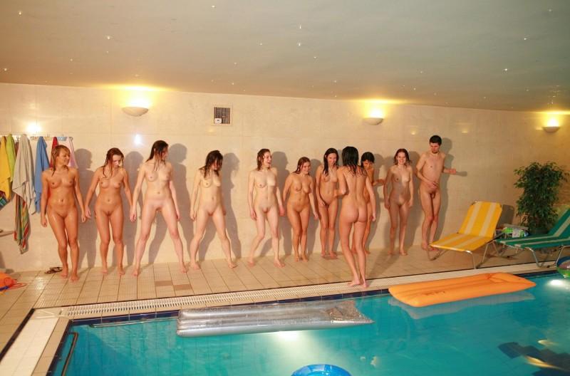 фото голых парней в басеене