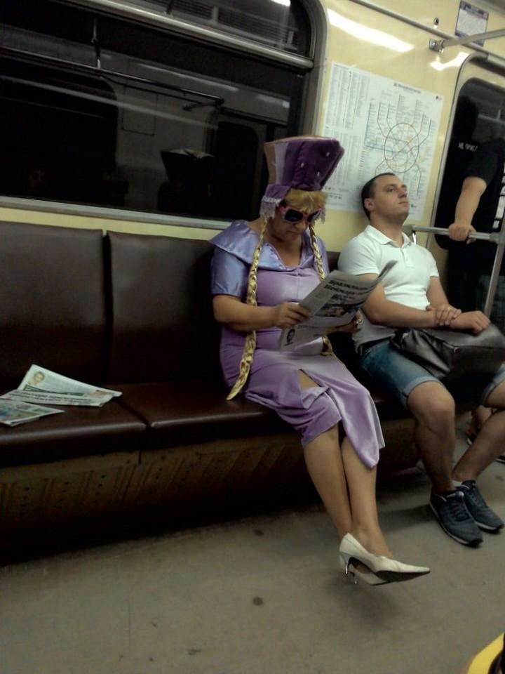 Модники из pоссийского метрополитена 16