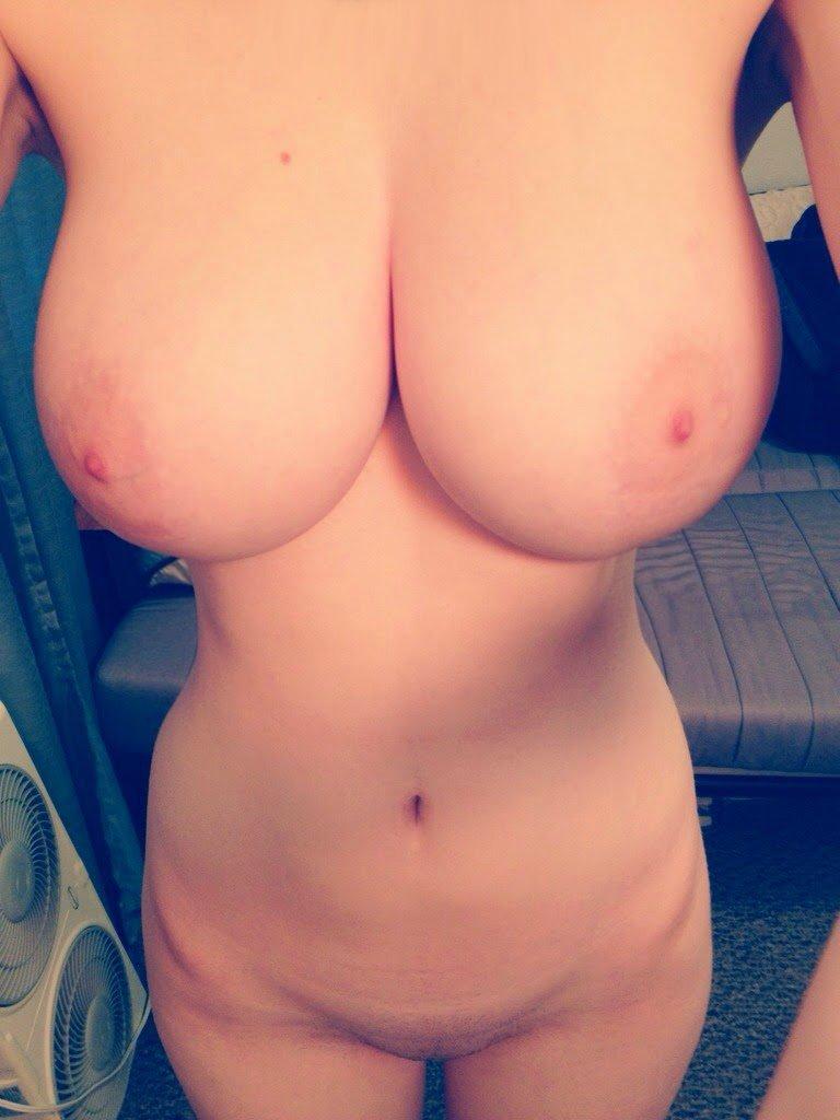 Фото девушек голых публично 10 фотография