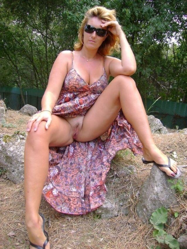 фото голой мамы на природе