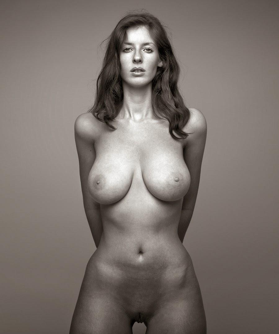 высококачественные картинки и фотографии голые женшины