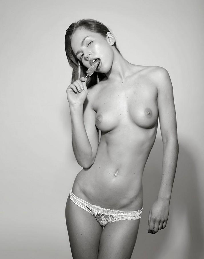 высококачественные фото девушек в нижнем белье на шпильках