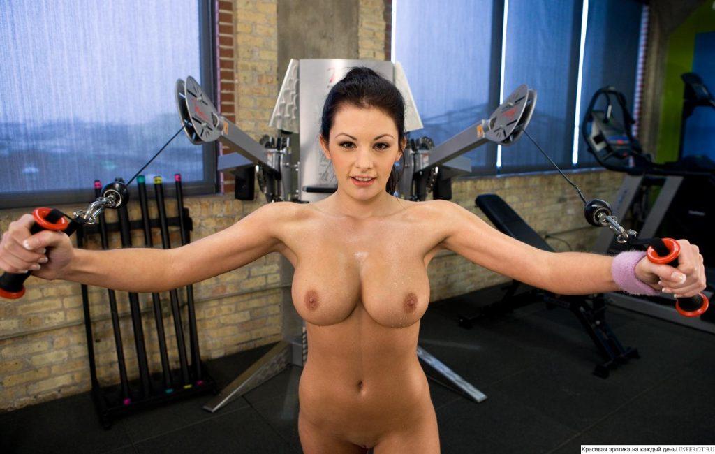 фото голых спортивных девушек