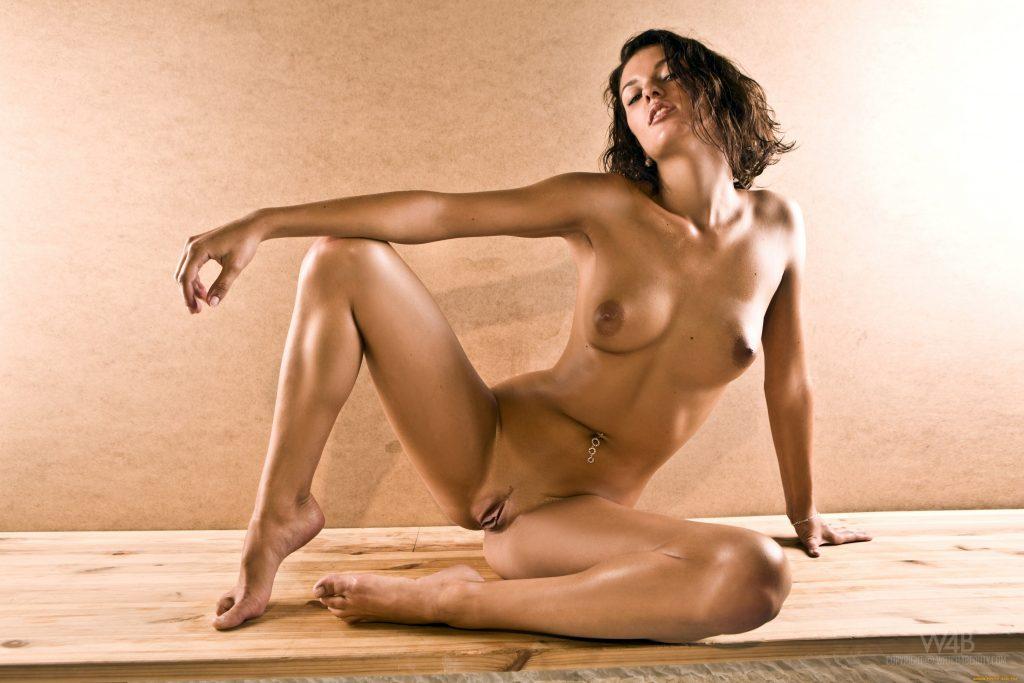 erotika-obnazhennih-gimnastok