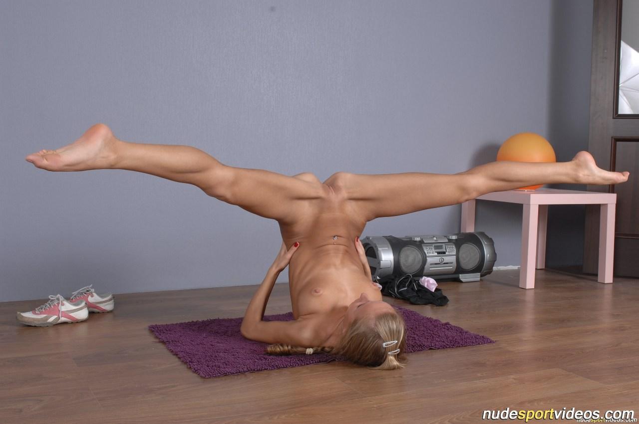 Акробатика фото голышом