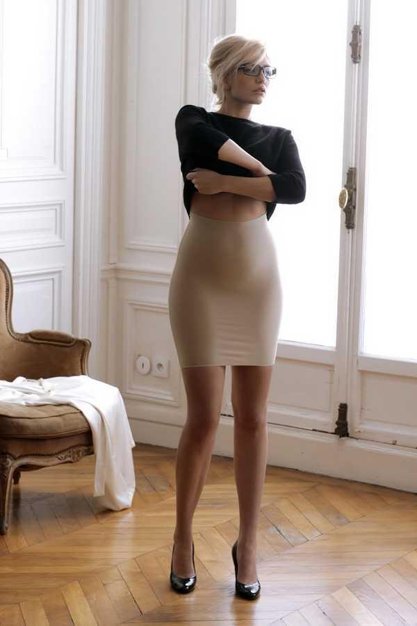 фото эро женщины в платьях юбках