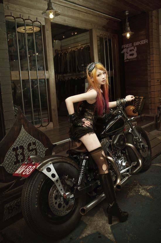 devushki-i-motocikli-01