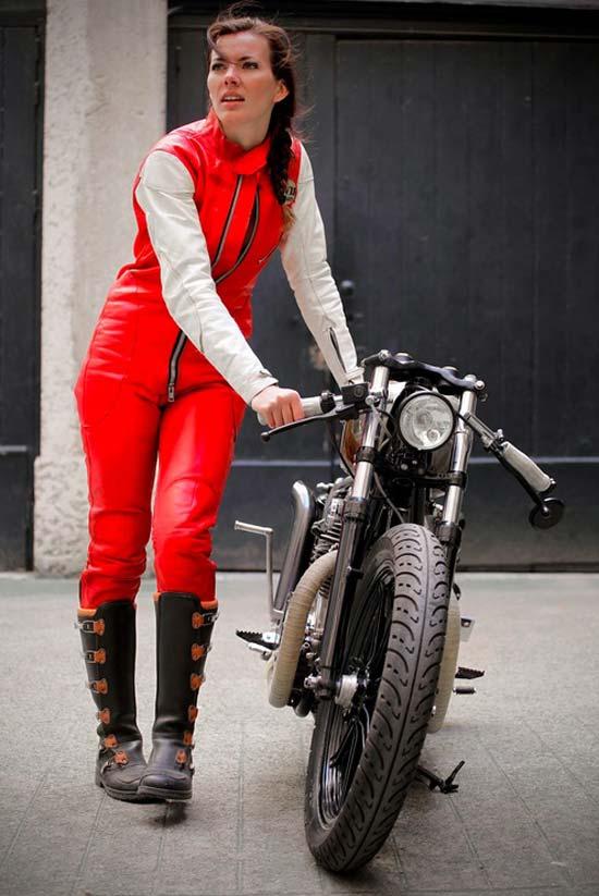 devushki-i-motocikli-06