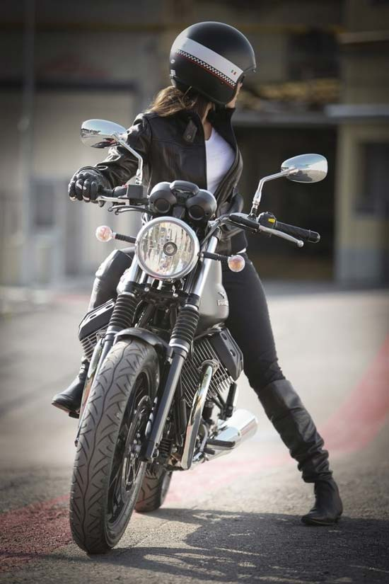 devushki-i-motocikli-07