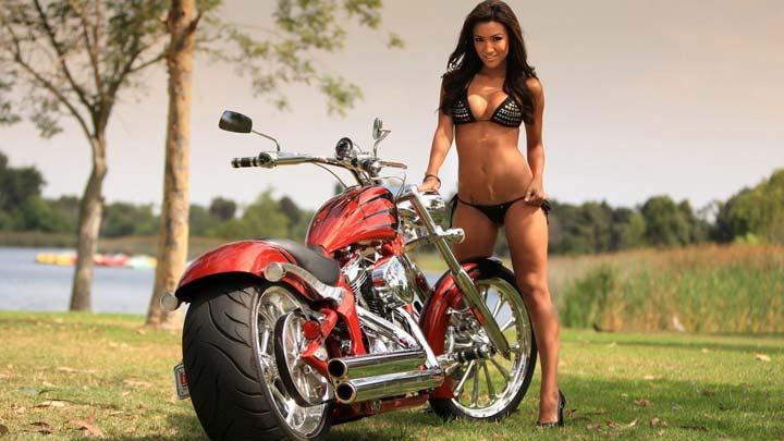 devushki-i-motocikli-24