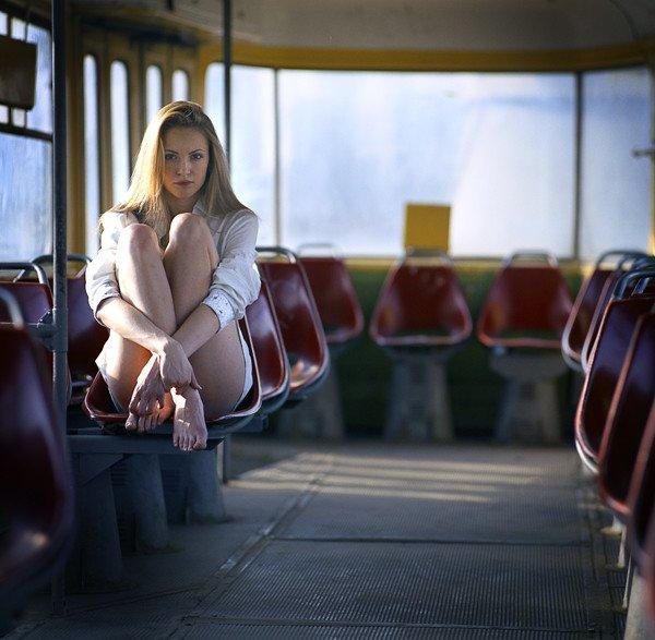 Голые девушки в трамваях автобусах 80