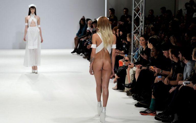pokaz-seks-modeley