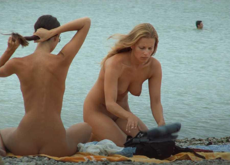 голые девушки на пляже любительские фото