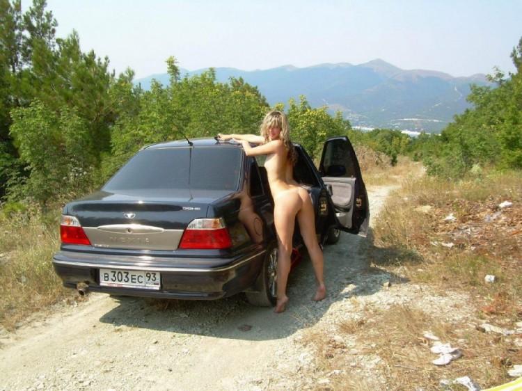 частное эротическое фото в машине