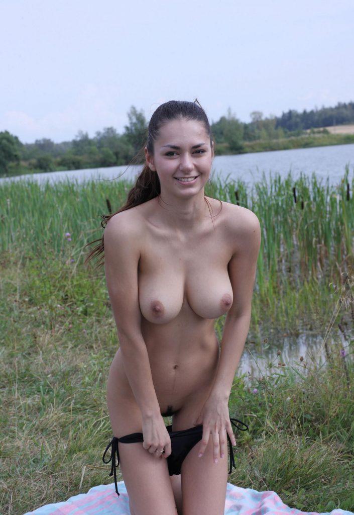 фото голых студенки