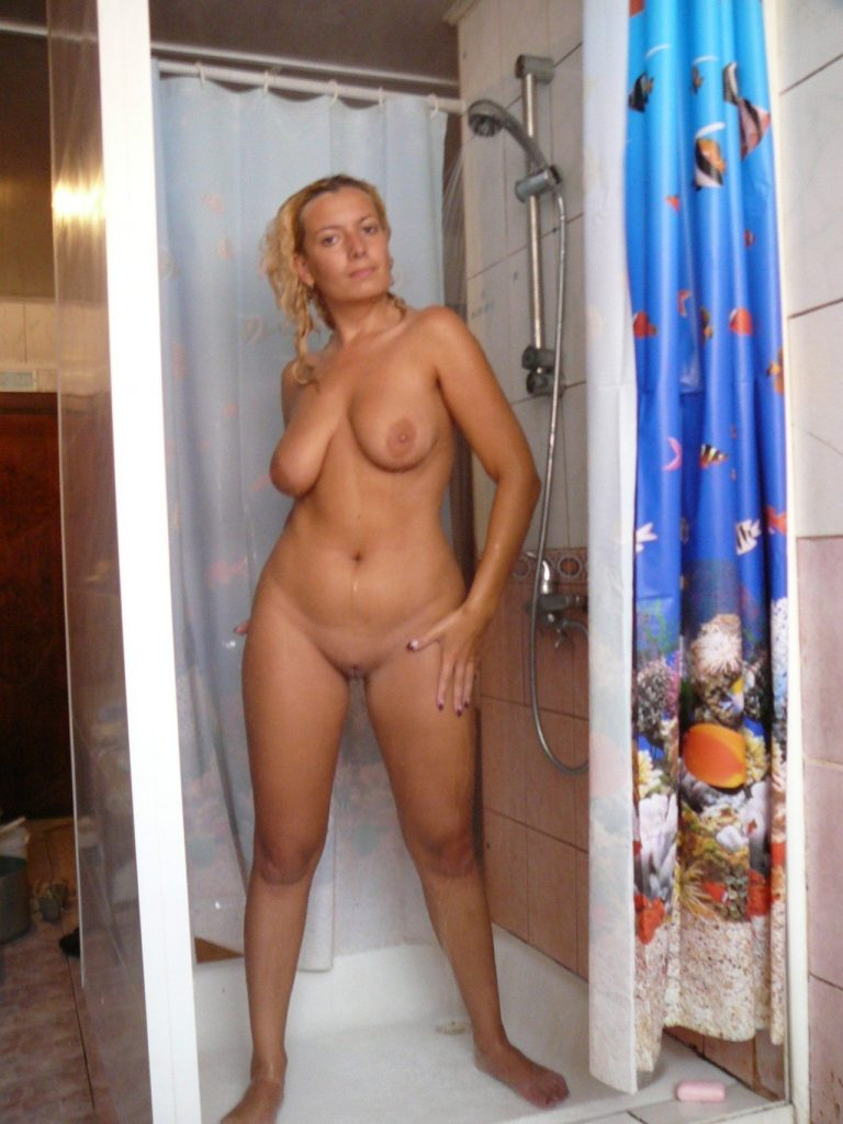 wife-naked-shower-sex