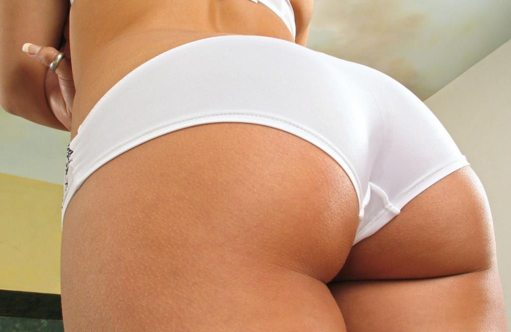 фото в белых трусиках попки