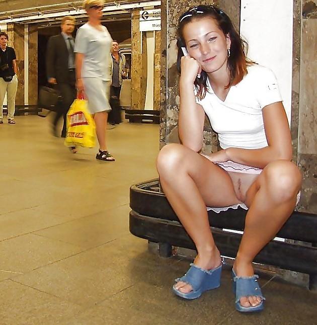 Девушка голая фото в метро фото 35-800