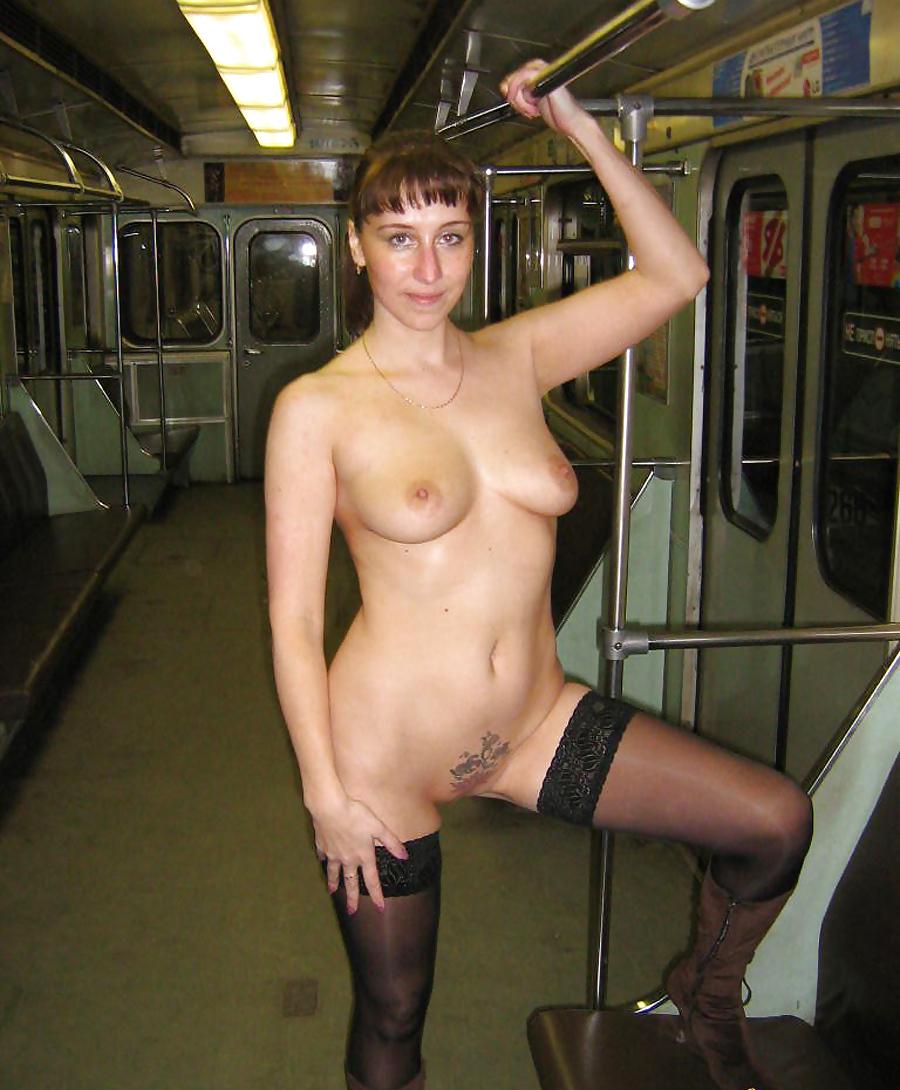 Порно русски в метро