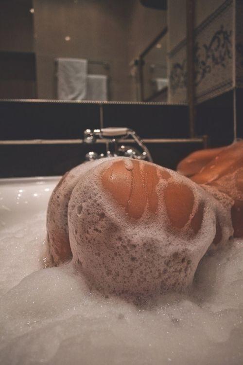 попы в ванной фото
