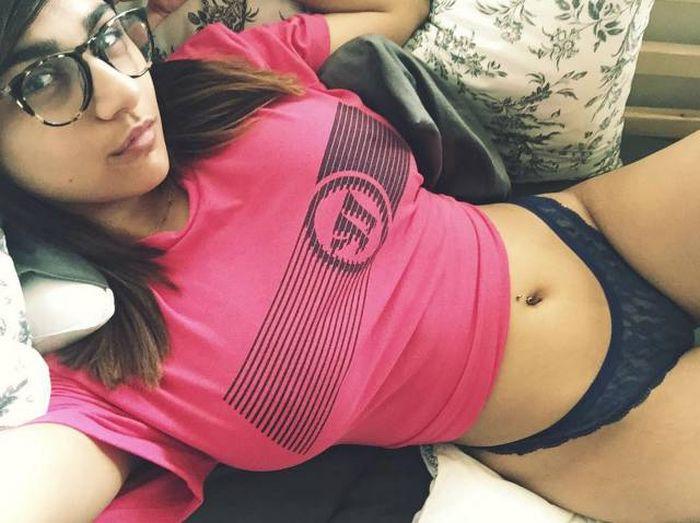 hottest_female_19