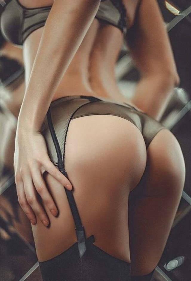 Сексуальные задницы в нижнем белье дом с современной техникой
