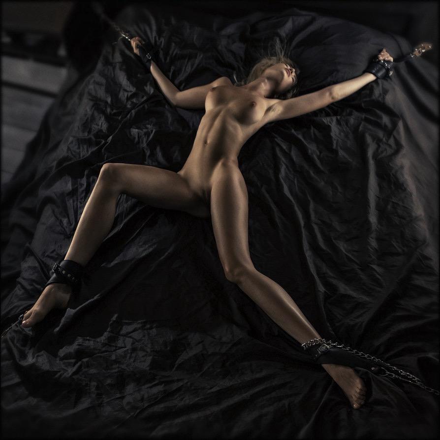 обнаженное женское тело фото галереи