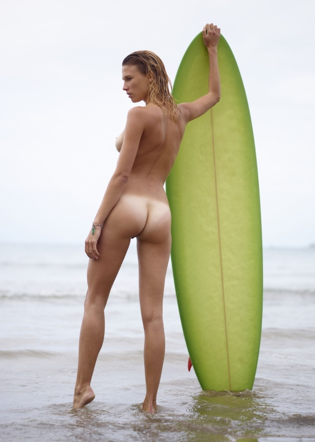 Surfer, nude