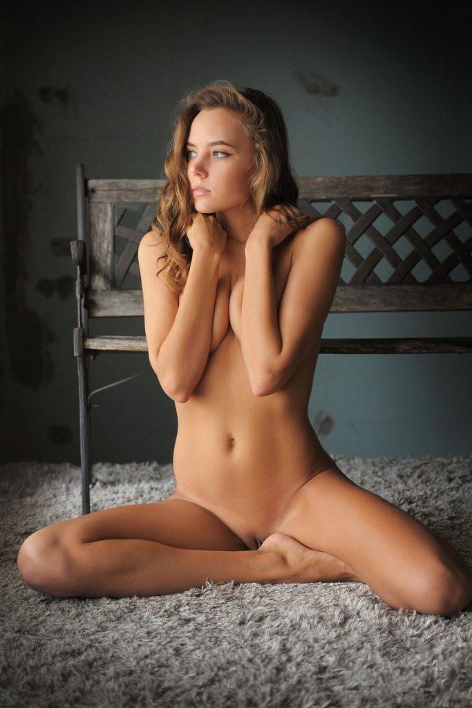 фото девушек пятница голых