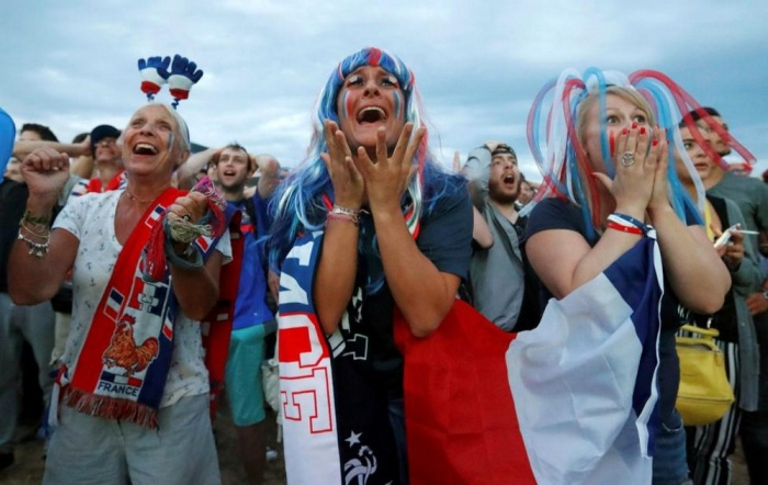 France fans watch the France and Romania match, in Marseille. REUTERS/Yves Herman