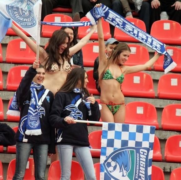 football_girls_05