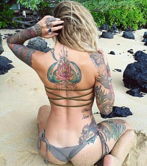 girls_with_tattoo_10