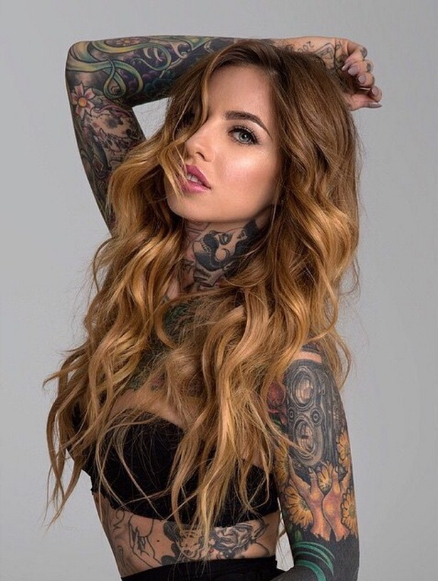 girls_with_tattoo_19