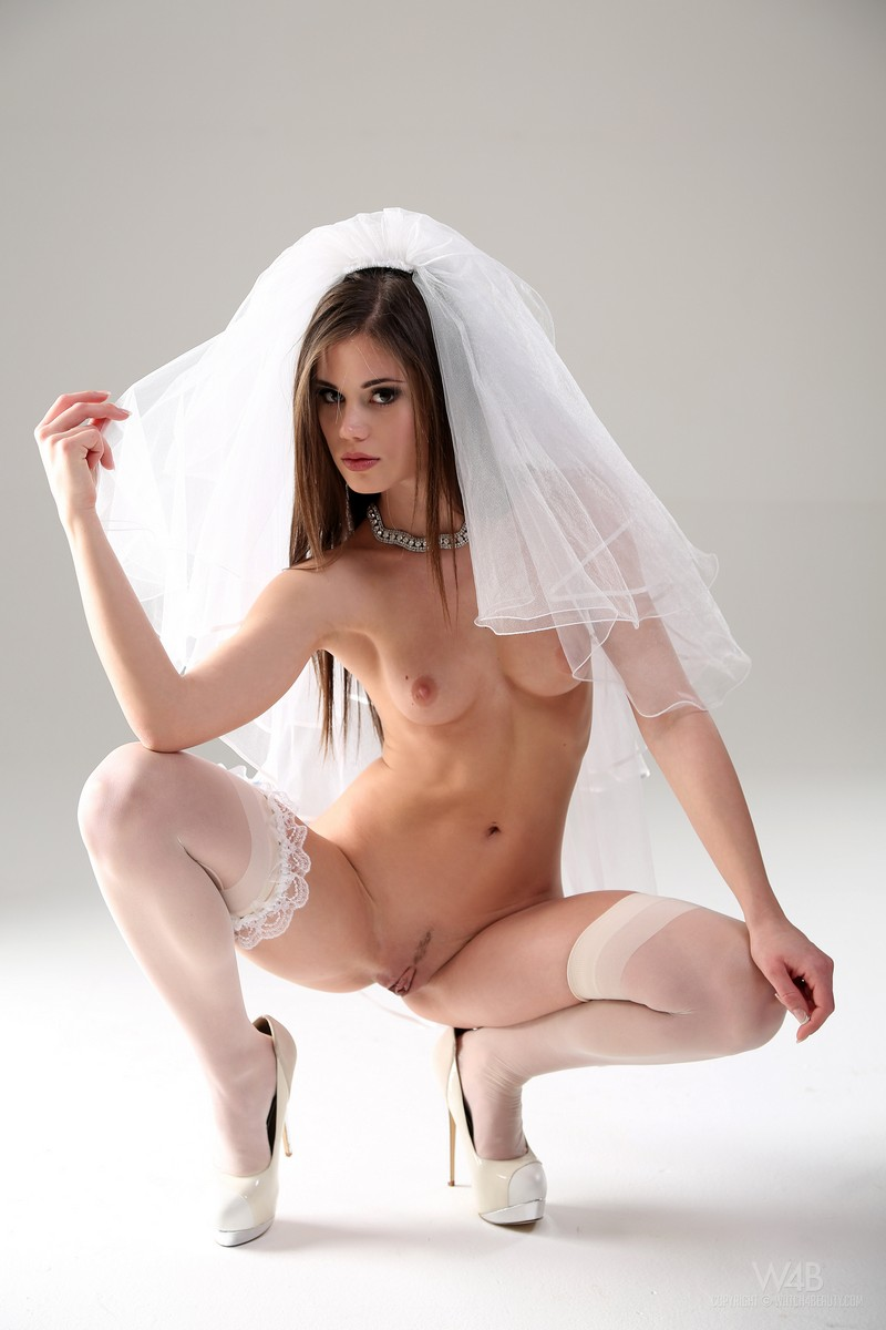 невесты голые эротика