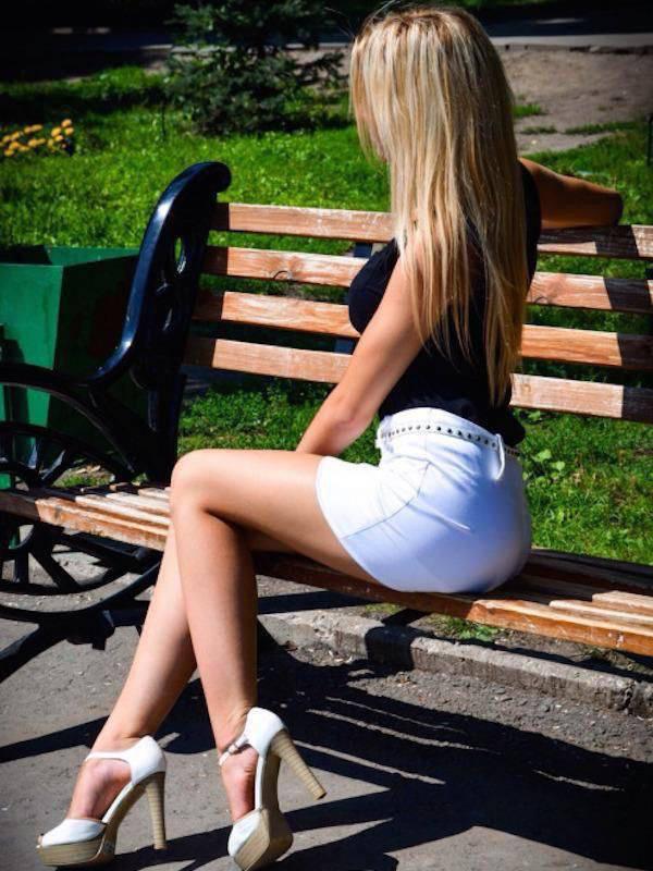 Девушки в прозрачных коротких юбках смотреть онлайн фотоография