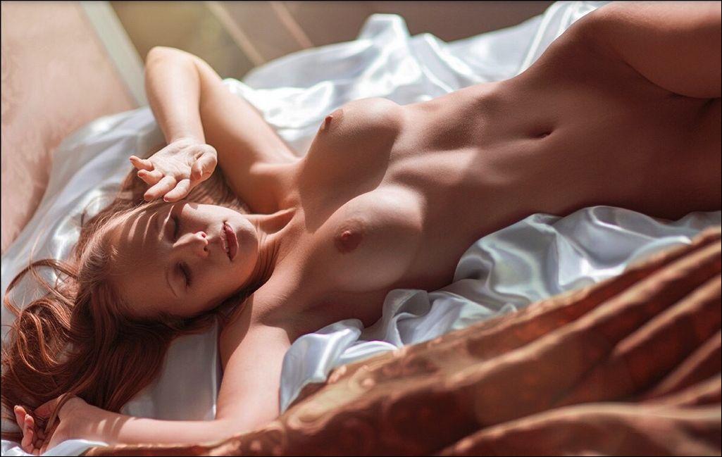 golie-devushki-utrenniy-seks