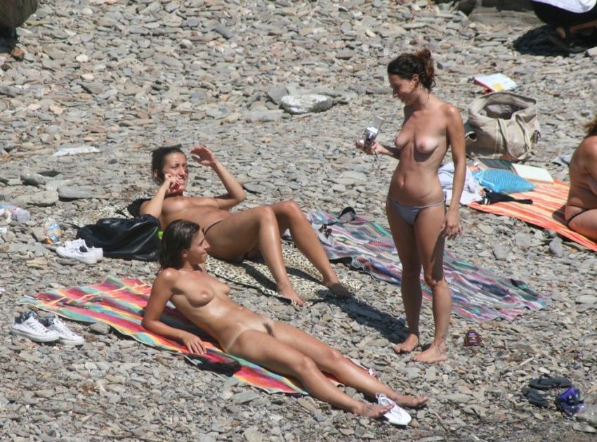пляжные фото и видео нудистов