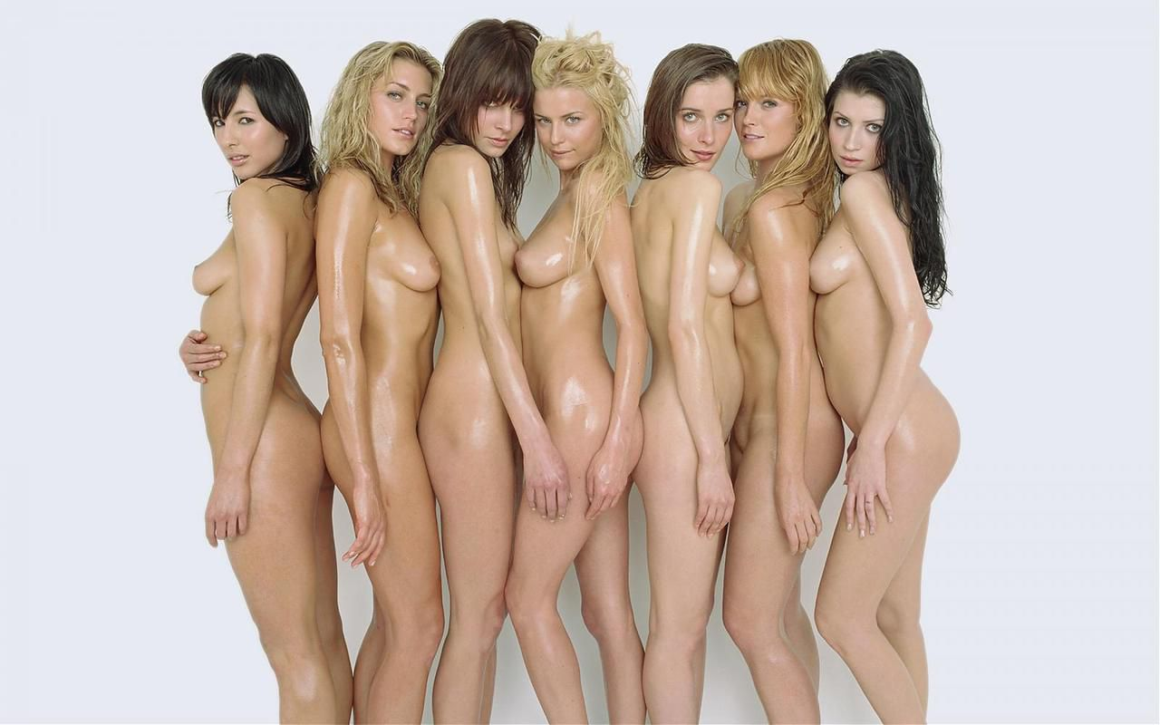 Women sexy nude in groups