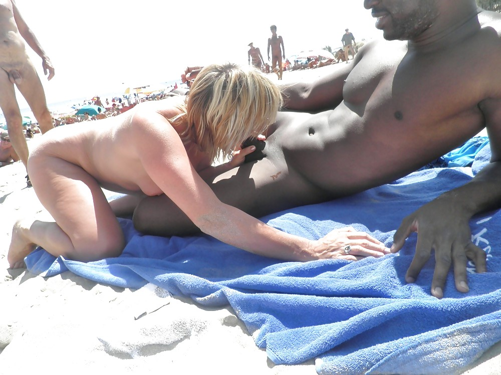 Nude women on beach gettin pounded — photo 6