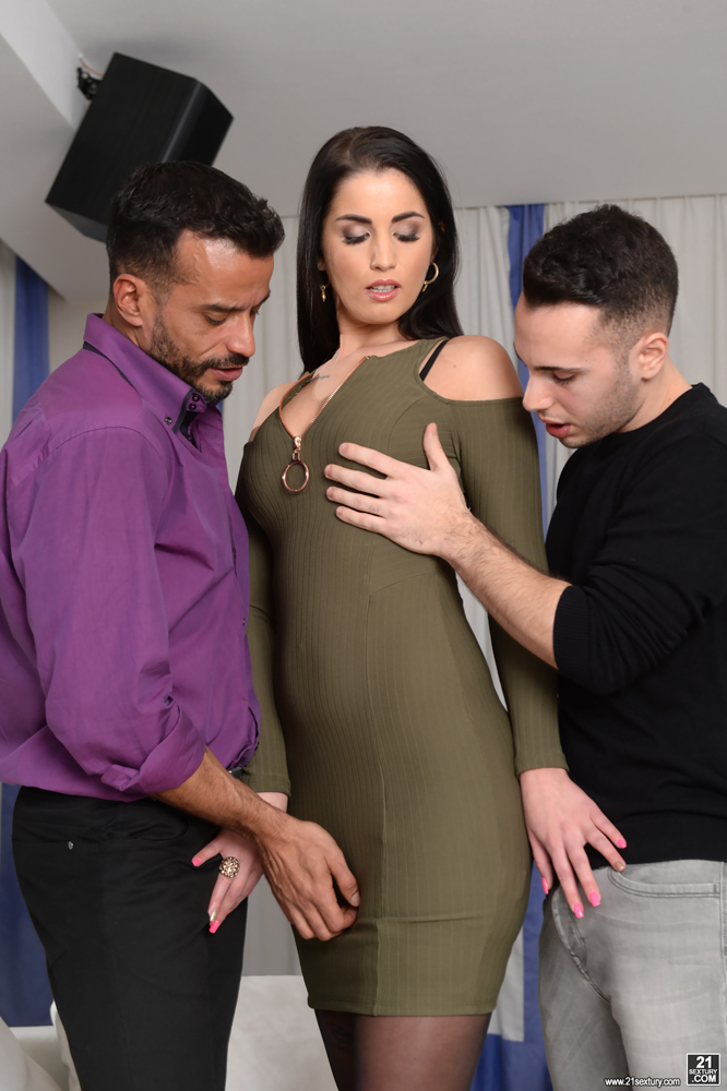 Tattooed chick Kayla Green taking anal penetration in black stockings № 50636 без смс